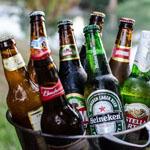 Какое пиво лучше: бутылочное, баночное или разливное?